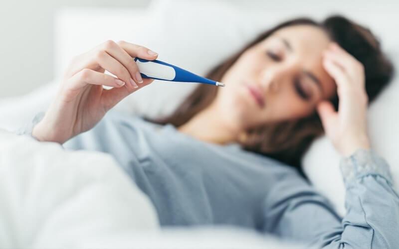 sốt nhẹ sau khi chích ngừa ung thư cổ tử cung
