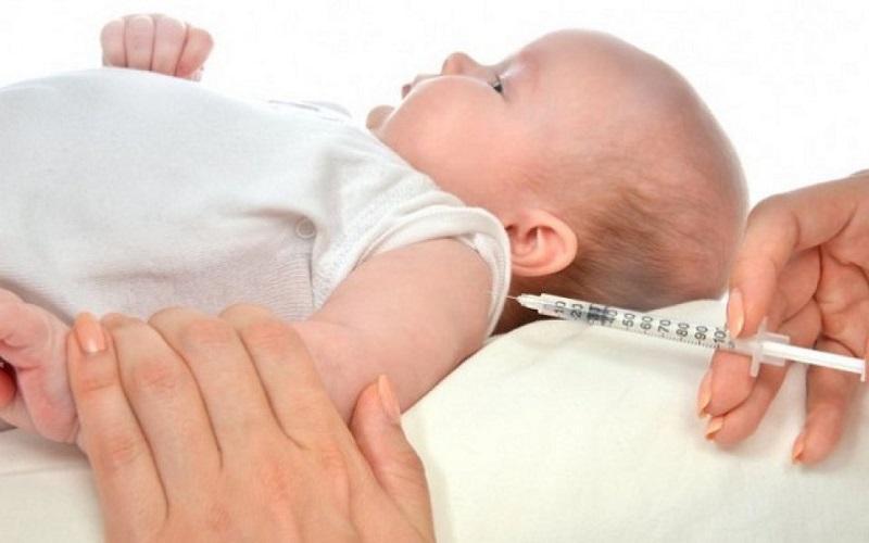 Trẻ bị viêm phế quản có tiêm phòng được không? -1