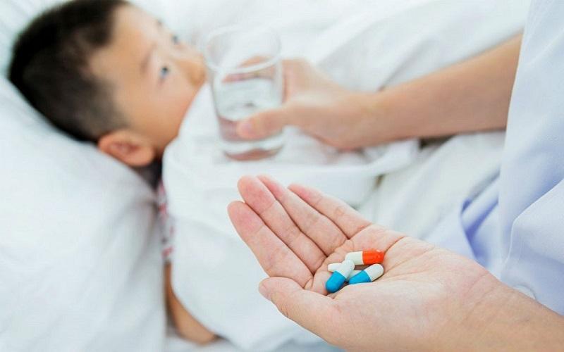 quai bị uống thuốc kháng sinh gì
