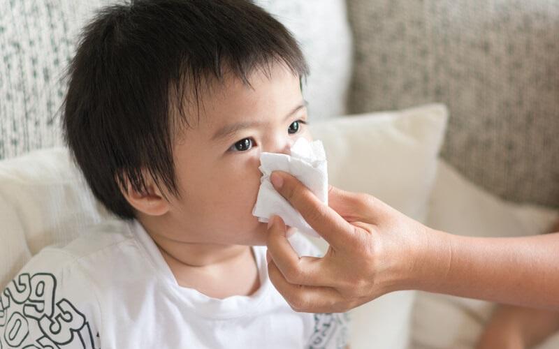 Trẻ bị cảm cúm uống thuốc gì
